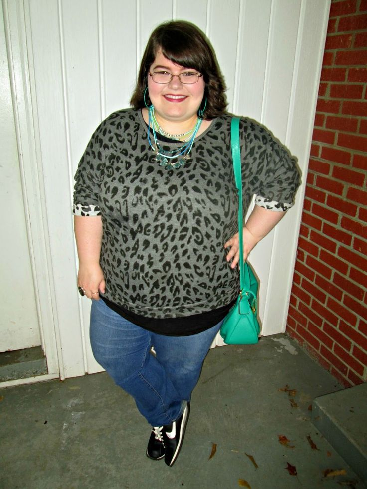 Unique Geek: Plus Size OOTD: Sweater Weather #plussizefashionblogger #plussizefashion #plussizeoutfits #plussizestyle #plussize #falloutfits #nikeshoes: