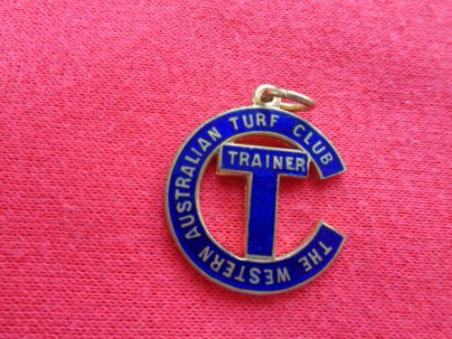 c-1950s-THE-WESTERN-AUSTRALIAN-TURF-CLUB-TRAINER-MEMBERSHIP-BADGE-RACING