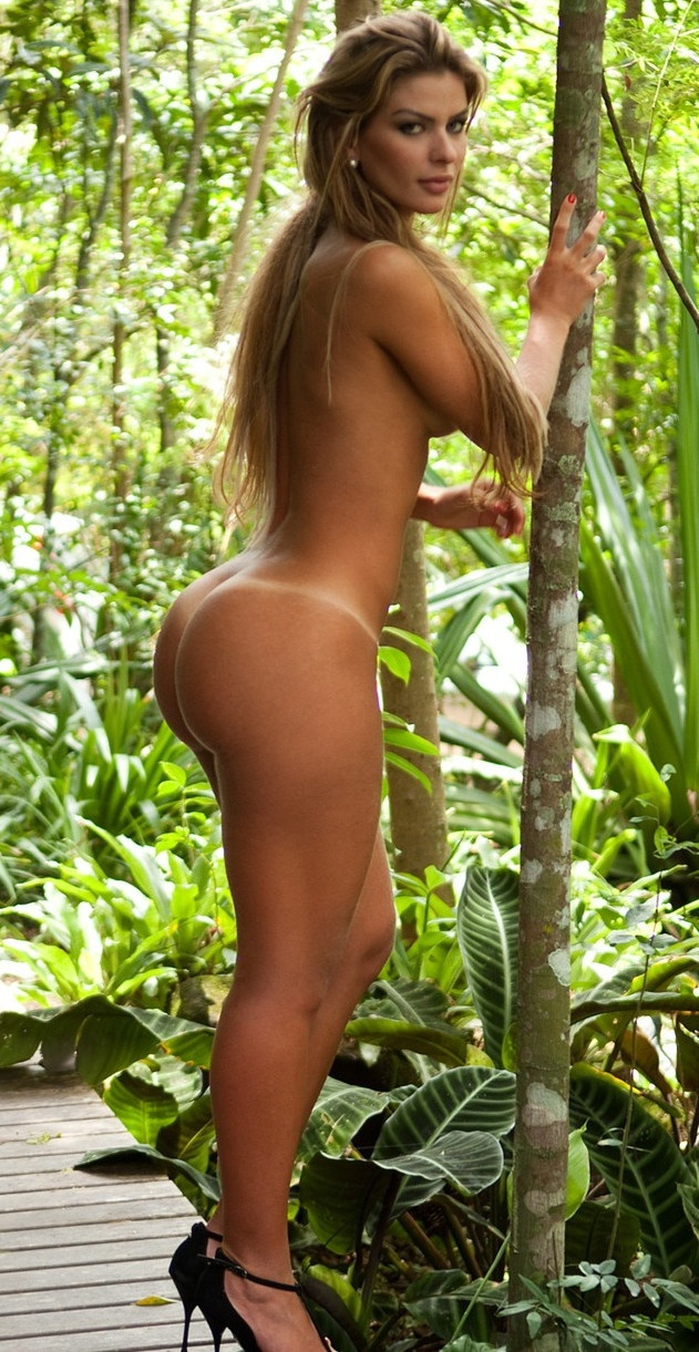 hot women in the jungle nude