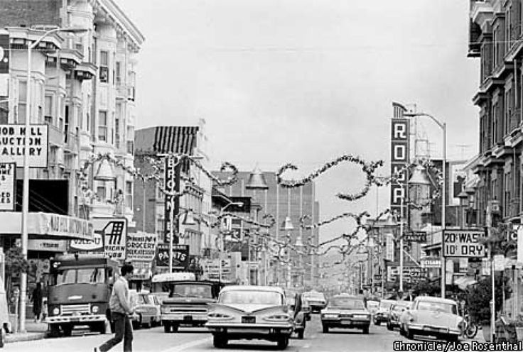 Polk Street Christmas decorations between Sacramento and California Streets in 1966.  Photo: JOE ROSENTHAL