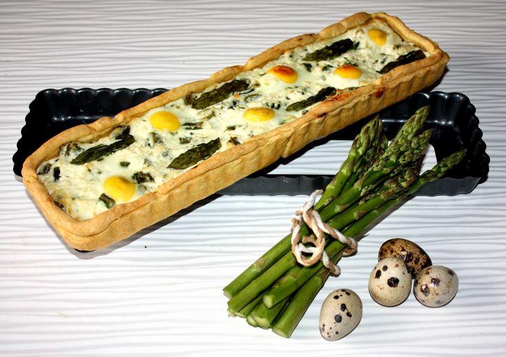 Frittomisto: cucina ed emozioni: Quiche con ricotta al profumo di menta, asparagi e uova di quaglia