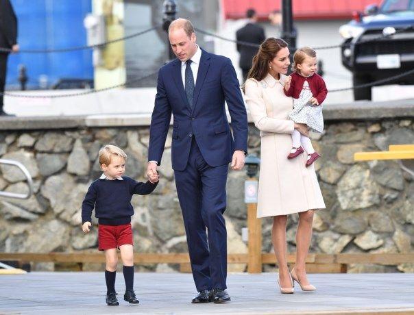 Waarom prins George altijd een korte broek draagt - Het Nieuwsblad: http://www.nieuwsblad.be/cnt/dmf20161006_02504712?_section=60118825