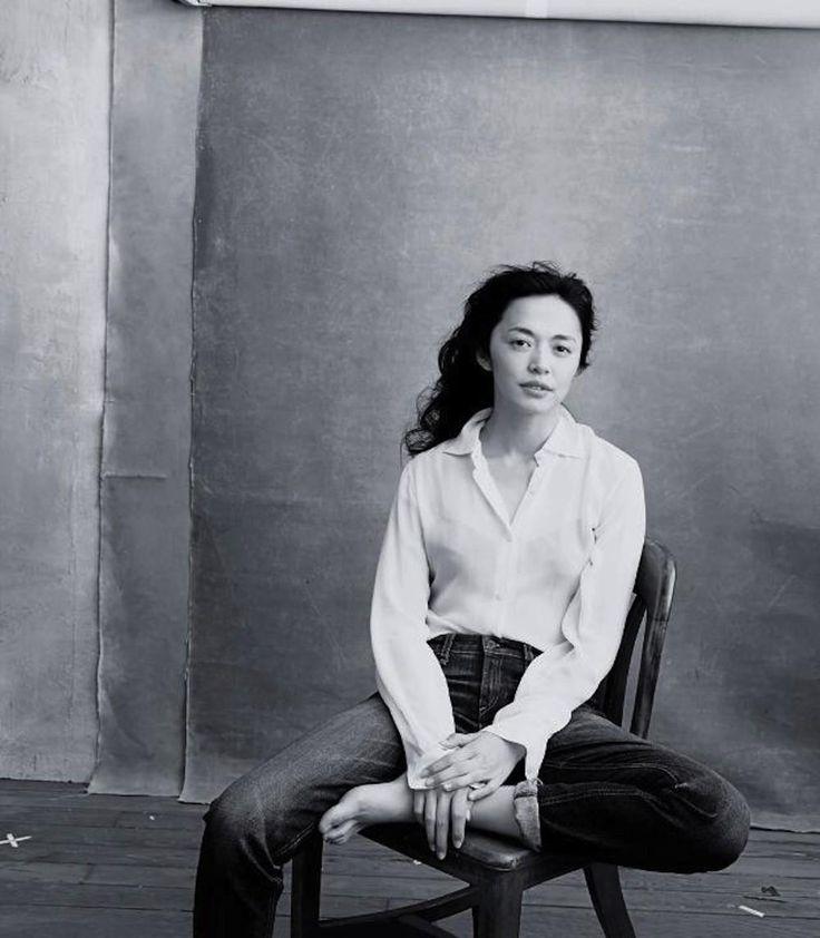 Voorwoord: actrice Yao Chen tevens de eerste Chinese UNHCR-ambassadrice - Unusual suspects: de Pirelli kalender van 2016 eert echt spraakmakende vrouwen