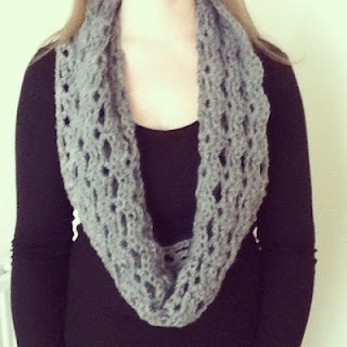 Crochet cowl/scarf: how to on blog