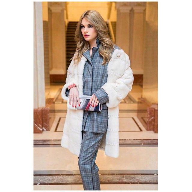#tbt Style notes with @postamagazine - Actress Natalya Bardo @bardonata in BRASCHI NAFA mink coat - актриса Наталья Бардо в пальто #Braschi из североамериканской норки NAFA - #NAFAMink #madeinitaly #luxury #fashion #instastyle #shopping