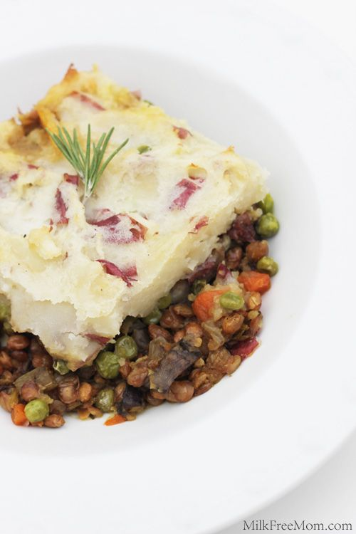 Vegan Shepherd's Pie! Loaded with veggies, and tastes so good you'll never miss the meat!