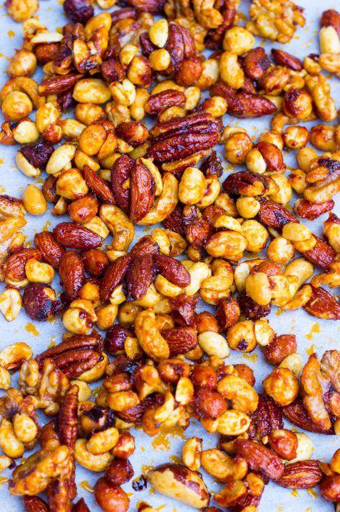 Sriracha & Maple Roasted Mixed Nuts