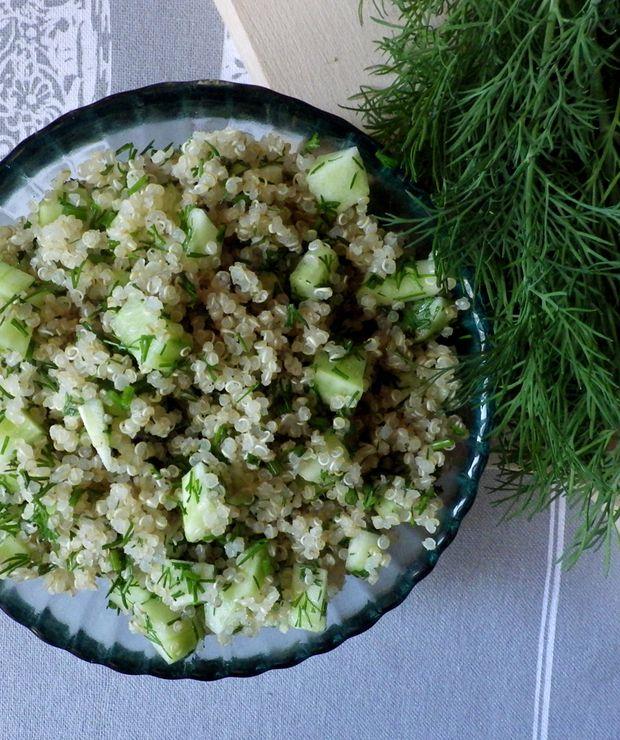 Odświeżająca sałatka z zielonych ogórków z quinoą - Bezglutenowe