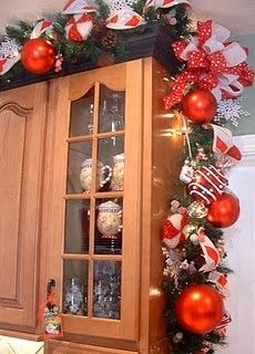 Home Decor Ideas: Christmas Kitchen Cabinets