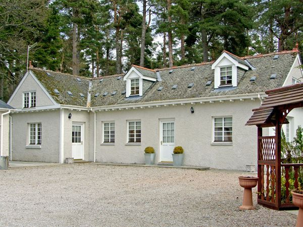 10 best self catering holiday cottages and apartments in scotland