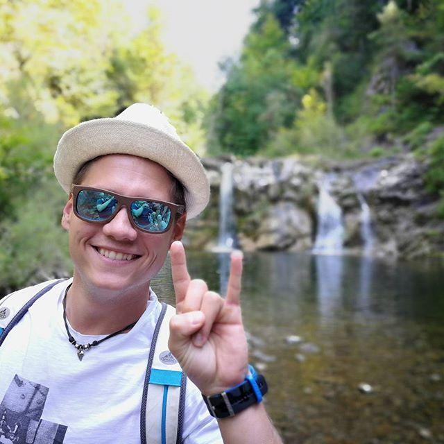 Have a Wicked Weekend! @wicked_design.at  #wanderlust  #mywickedmoment #austrianbrand #wooddesign #exploreaustria #handmade #handgemacht #woodensunglasses #holzsonnenbrille #tribaldesign #Ötschergräben #wandern #bergblick #fluss #lagune #nomadelife #neverstopexploring #österreich #clearwater #klareswasser