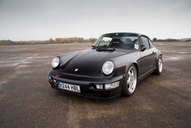 Porsche 964 Allows for Fast Escape