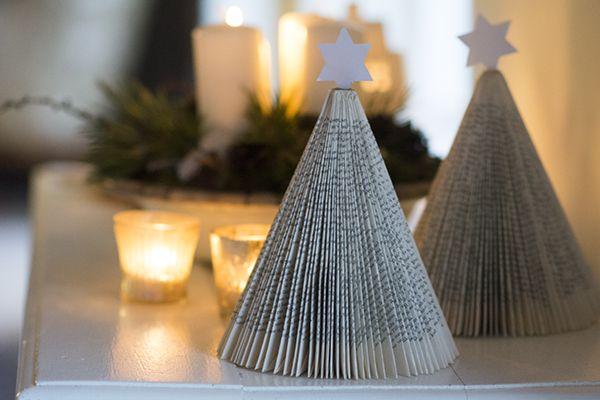 Juletræ foldet af en gammel bog - bogjuletræ - foldet julestjerne | www.vangelyst.dk