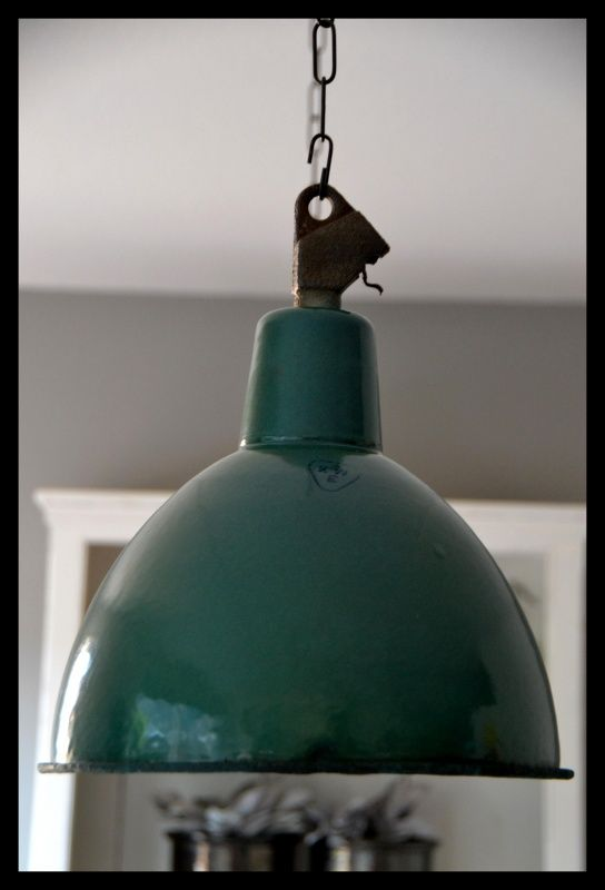 groen emaille industrielamp mooie vintage staat. Black Bedroom Furniture Sets. Home Design Ideas
