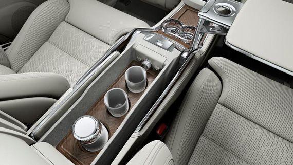 Салон внедорожника Volvo XC90 Excellence 2016 / Вольво ХС90 Экселленс 2016