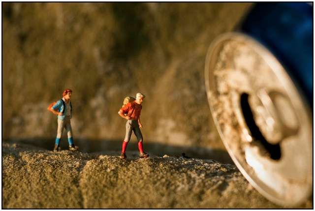 Stunning Miniature Photography World by Kurt Moses and his Wife… (5)