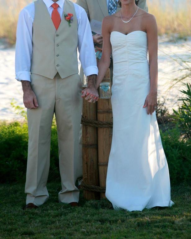 19 best wedding dresses images on Pinterest   Short wedding gowns ...