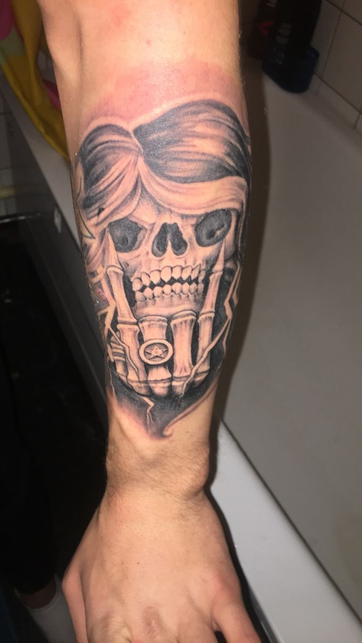 Rock & Roll skull made at the Swedish tattoo convention 2017