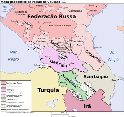Cáucaso, região entre o mar negro e mar cáspio, que apanha sul Russia, este Turquia, Geórgia, Arménia, Azerbeijão e Irão. Divide Europa da Ásia