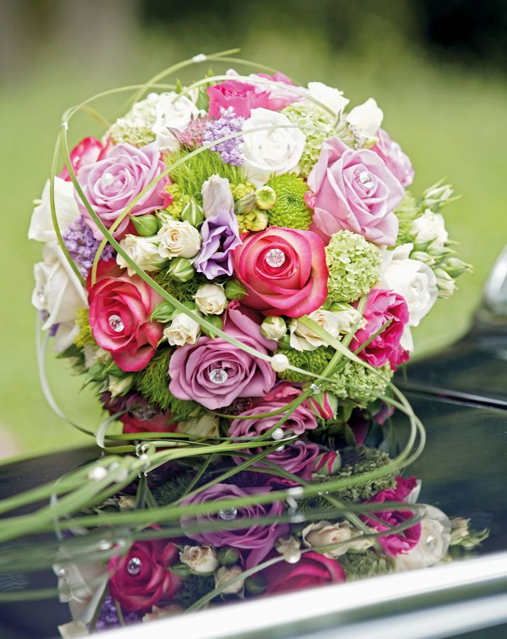 mehrfarbiger Brautstrauß Grün Weiß Rosa Pink