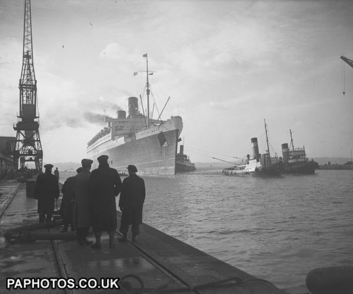 Transport - Water - Liners - RMS Queen Mary - Southampton | Ocean Liners | Friends Reunited