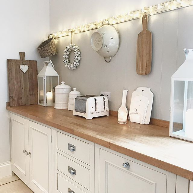 I don't want to bore you with another kitchen pic but I have a new phone (so not into technology) but look how clear the pics are! Xxx #sorrynotsorry #kitchenbore #iphone7 @maison_by_emma_jane