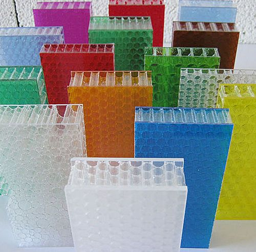 CRISTALLINE PC is a fully transparent polycarbonate panel.It is made of two thin plates and a honeycomb core in transparent polycarbonate. We provide a partial coloration (one colored sheet) or a full coloration (two colored sheets). The products is...