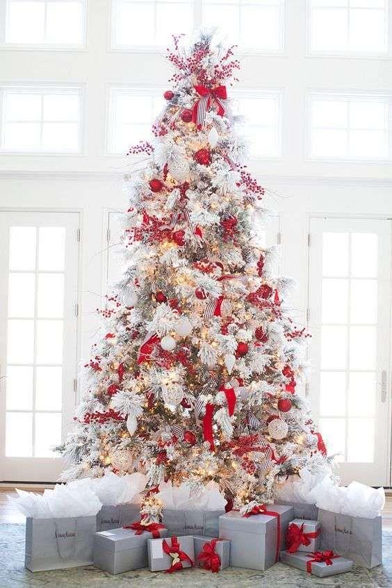 Albero Di Natale Bianco.Albero Di Natale Bianco E Rosso Christmas Time Alberi Di Natale