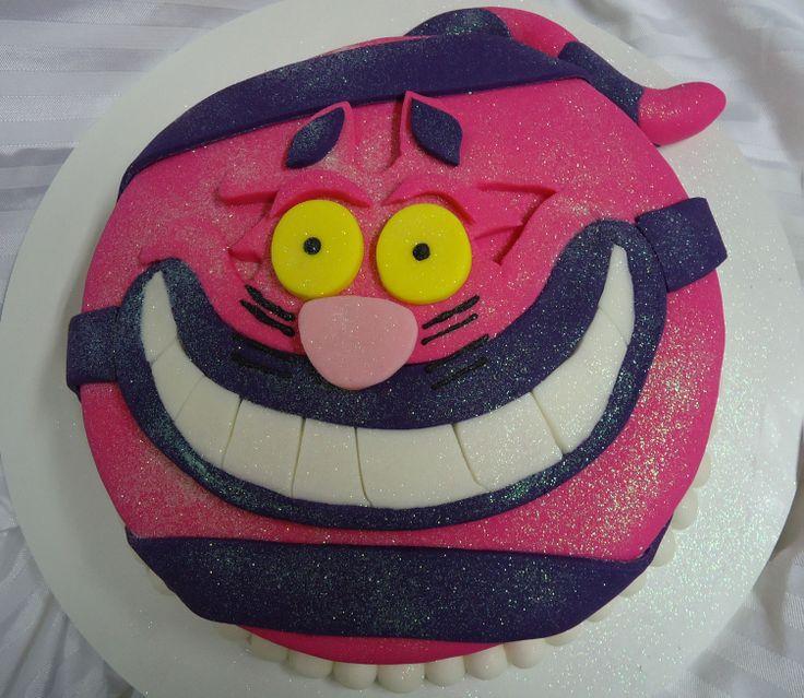 Bolo Gato Cheshire - Alice no País das Maravilhas - Cheshire Cat Cake - Alice in Wonderland - Fondant Cake - https://www.docemeldoces.com/