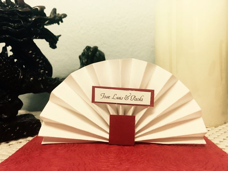 Japanese fan place cards. Wedings, quinceañeras, birthdays. Japanese theme Party.
