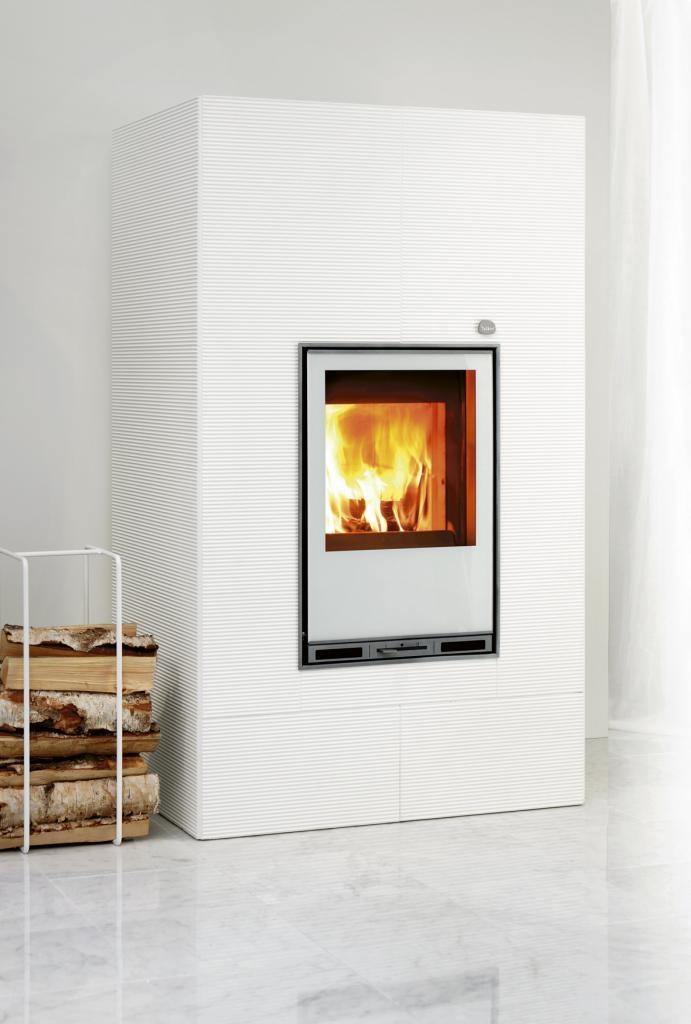 Tulikivi Hiisi 4 fireplace is made of soapstone. Tulikivi's innovative Color coating makes it white.