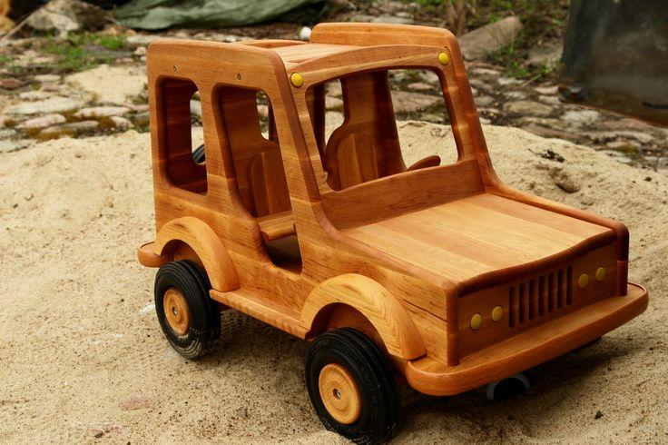 Zabawki drewniane  - WOODEN TOYS » duże samochody terenowe   wooden vehicles » samochód terenowy - 5005   off-road car- radość obdarowywania