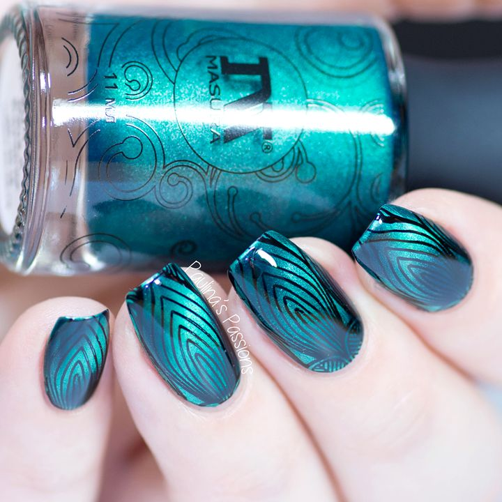 Magnetic nail polish with stamping