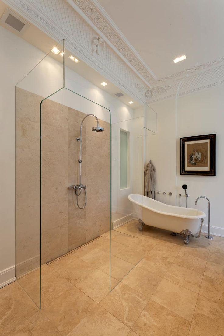casa calda klassische badezimmer von plan w gmbh werkstatt fr rume - Dusche Kieselsteinboden