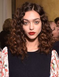 "Corkscrew curls: Do-it-yourself styling"""