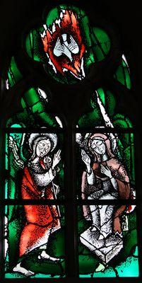 Verkündigung an Maria.  Nikolaus Bette , 1977  Fenster in der Kapelle  Antikglas/Blei/Schwarzlot
