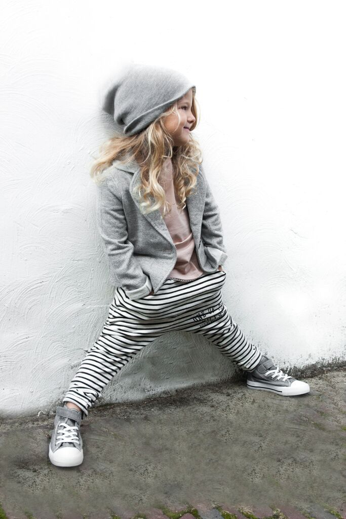 Rocking Ballerina Sweatblazer Dropped crotch joggers stripe Happily tee www.raine.nl