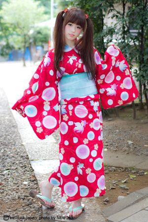 ツインテールと浴衣は10倍ずつ女の子を可愛くするのです。【恋暦ツインテール・浴衣編】更新!「TTは夏とても涼しいです」と語るやのあんなちゃん 。でも僕らの胸はますます熱くなる!|日本ツインテール協会