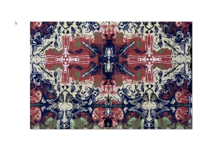 perished persian #Un pattern estremamente moderno fatto di scheletri  di animali estinti che simboleggia il lento  trapasso della tradizione dell'annodatura. Visto da lontano, con i colori e lo schema tradizionali del tappeto, sembra un classico pur essendo estremamente moderno. http://nodusrug.it/it/collezione_tappeti_scheda.php?ID=PSKEL