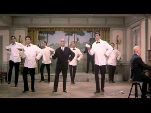 Louis de Funès - Le grand restaurant (1966) - Cossacks Dance - YouTube