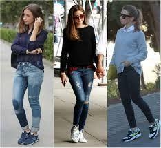 looks com tenis esportivo e calça jeans
