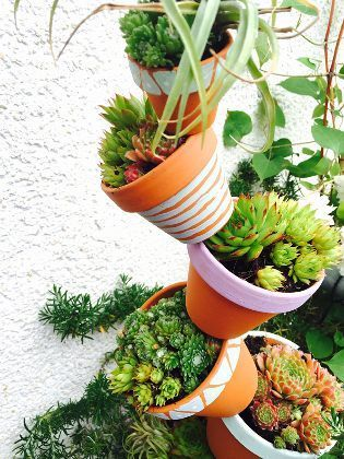 (Quelle: Privat, Leoni Gehr) Tontopfpyramide für Balkon und Garten