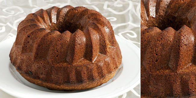 <p>Bolu cokelat adalah kue yang disukai anak-anak hingga dewasa. Anda bisa membuatnya dengan mudah dari resep Bolu Cokelat Kukus Sederhana.</p>