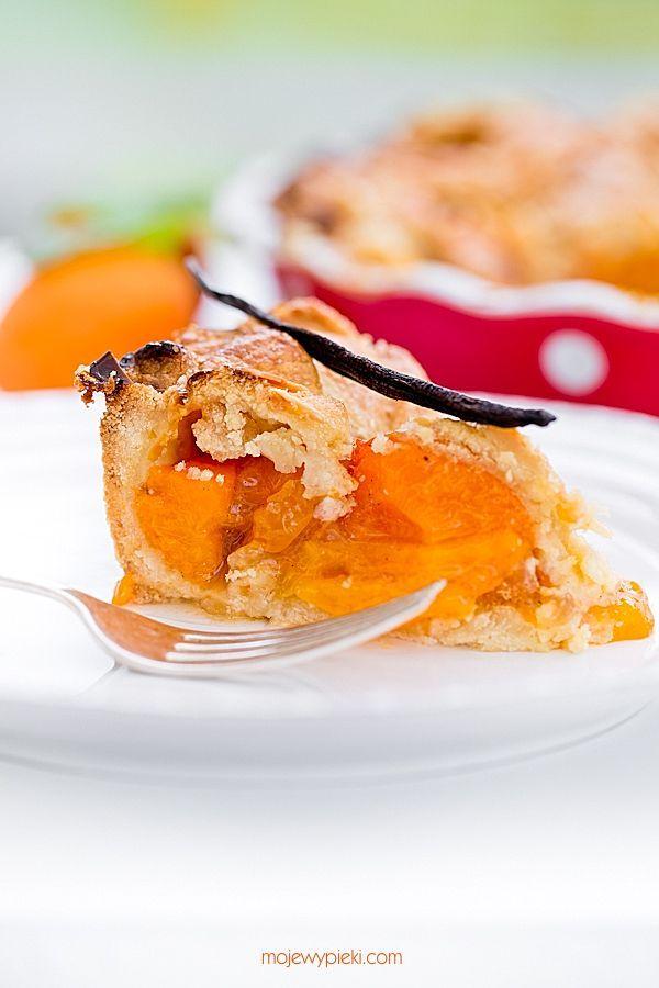 Apricot and Vanilla Tart