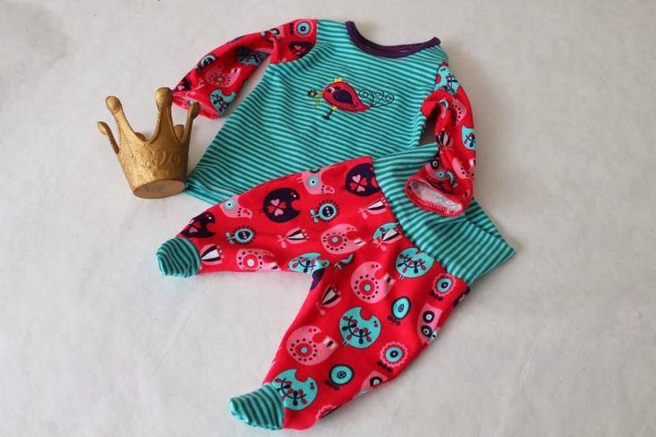 Erstlingsset / Freebook / Freebie / Tutorial / Nähanleitung / Schnittmuster / kostenlos / nähen / Baby / Hose mit Füßen / Füßchen / Hemd / T-Shirt / footed pants / sewing / pattern / instructions / free / DIY