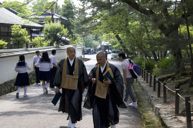 What Zen Buddhism Really Means: Rinzai Zen monks of Nanzenji Temple, Kyoto.