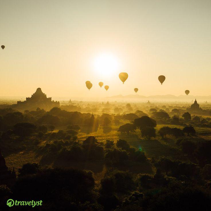 Viele Reisende haben das südostasiatische Land über Jahrzehnte wegen der Militärdiktatur gemieden. Doch seit bei den Wahlen im November 2015 ist Myanmar bei Touristen populär geworden. Auch hat sich die Infrastruktur durch neue Hotels und neue Flugverbindungen enorm verbessert. Wenn auch Du diesem Anblick nicht widerstehen kannst, frag uns schnell nach individuellen Angeboten auf travelyst.de!