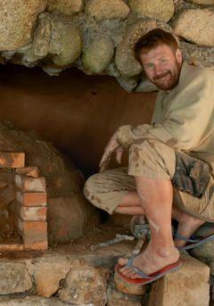 Patrik Fojt | Učíme se příběhy - Patrik Fojt patří k nejvýraznějším osobnostem přírodního stavitelství u nás.