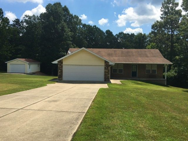 Upgrades Galore Beyond Attractive 3 Br 2 Ba Home On 1 05 Acres 2 Car Attached Garage And 2 Car Detac Arkansas Real Estate Mountain Home Led Recessed Lighting