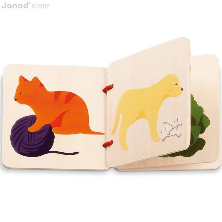 Leer de huisdieren herkennen met dit prachtige houten boekje! Het boekje bestaat uit 4 houten pagina's, verbonden met een rood, stevig touw. De kat, de hond, de vis, de schildpad, het konijn en de halmster zijn geschilderd in eenvoudige, duidelijke vormen en mooie kleuren. Met veilige vernis afgewerkt.